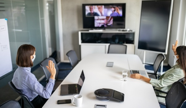 business-team-having-a-meeting-over-internet-during-pandemic-picture-id1263125307