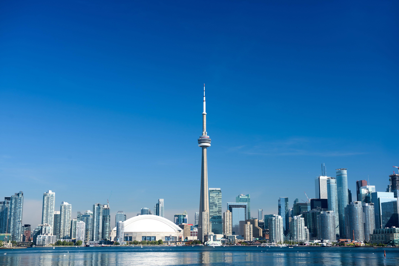 shutterstock_1043344066_Toronto_Skyline